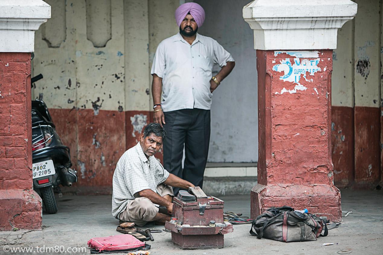 le golden temple d 39 amritsar en inde. Black Bedroom Furniture Sets. Home Design Ideas
